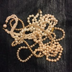 Jewelry - Pile of Pearls!  5 vintage faux pearl necklaces